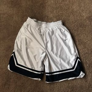 Nike reversible basketball shorts! Size L